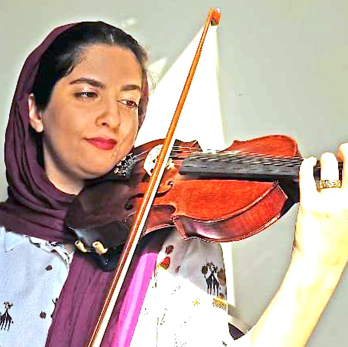 فریبا شریف مدرس ویولن کودکان به روش سوزوکی