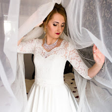 Wedding photographer Anya Volkova (AnnaV). Photo of 19.09.2017