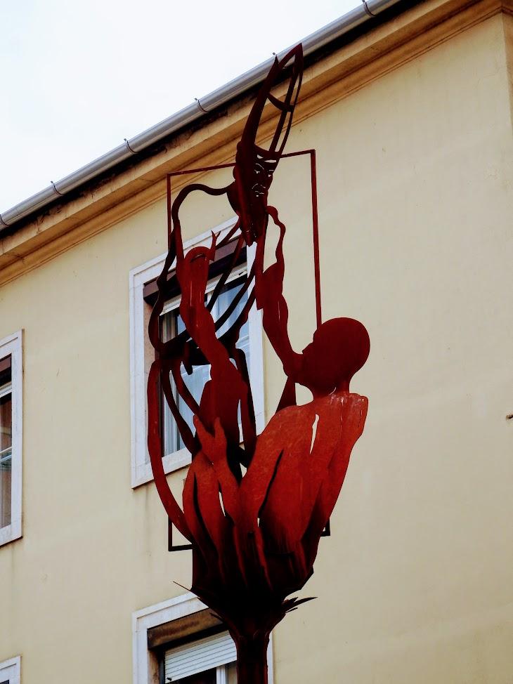 Szombathely - Márton püspök köpenyét a koldusnak adja