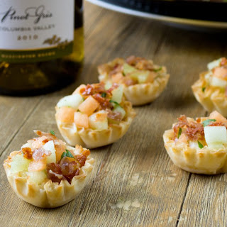 Mini Crispy Prosciutto with Melon Appetizer Cups