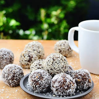 Prune, Nut and Chocolate Energy Balls.