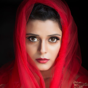 QUEEN IN RED by Red Photography - People Portraits of Women (  )