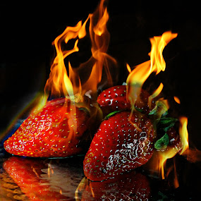 Flamy berries by Milla Kantola - Food & Drink Fruits & Vegetables ( pwcfruits, flames, berrys, fruits, strawberrys )