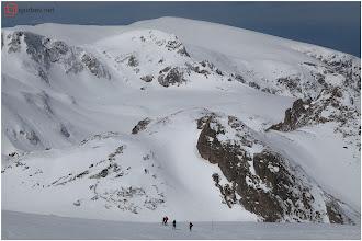 Photo: Спускане на зимната маркировка към езерата. Кабул в дъното.