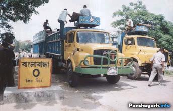 Photo: Trucks waiting in Banglabandha land-port