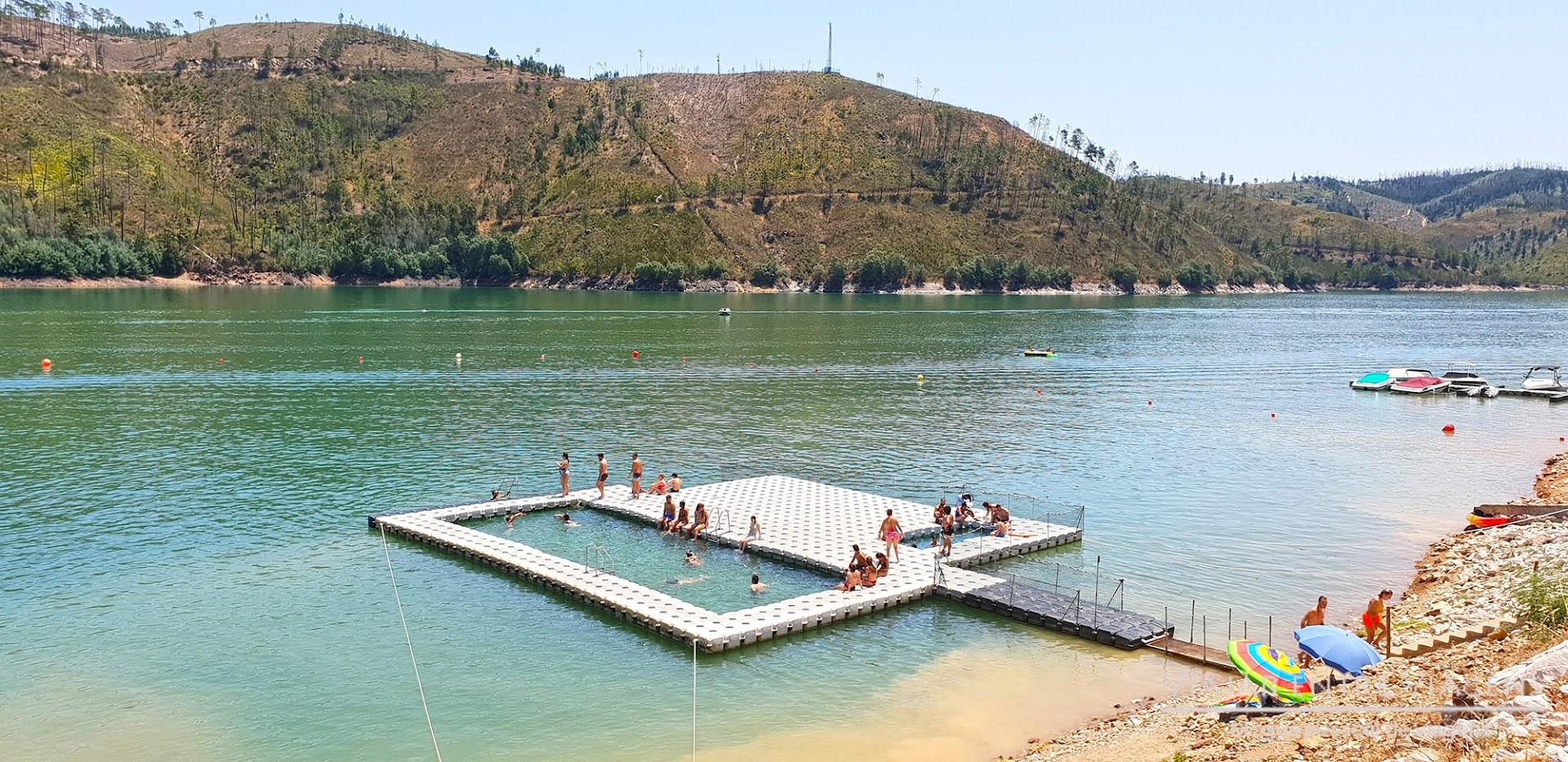 piscina fluvial flutuante do Lago Azul
