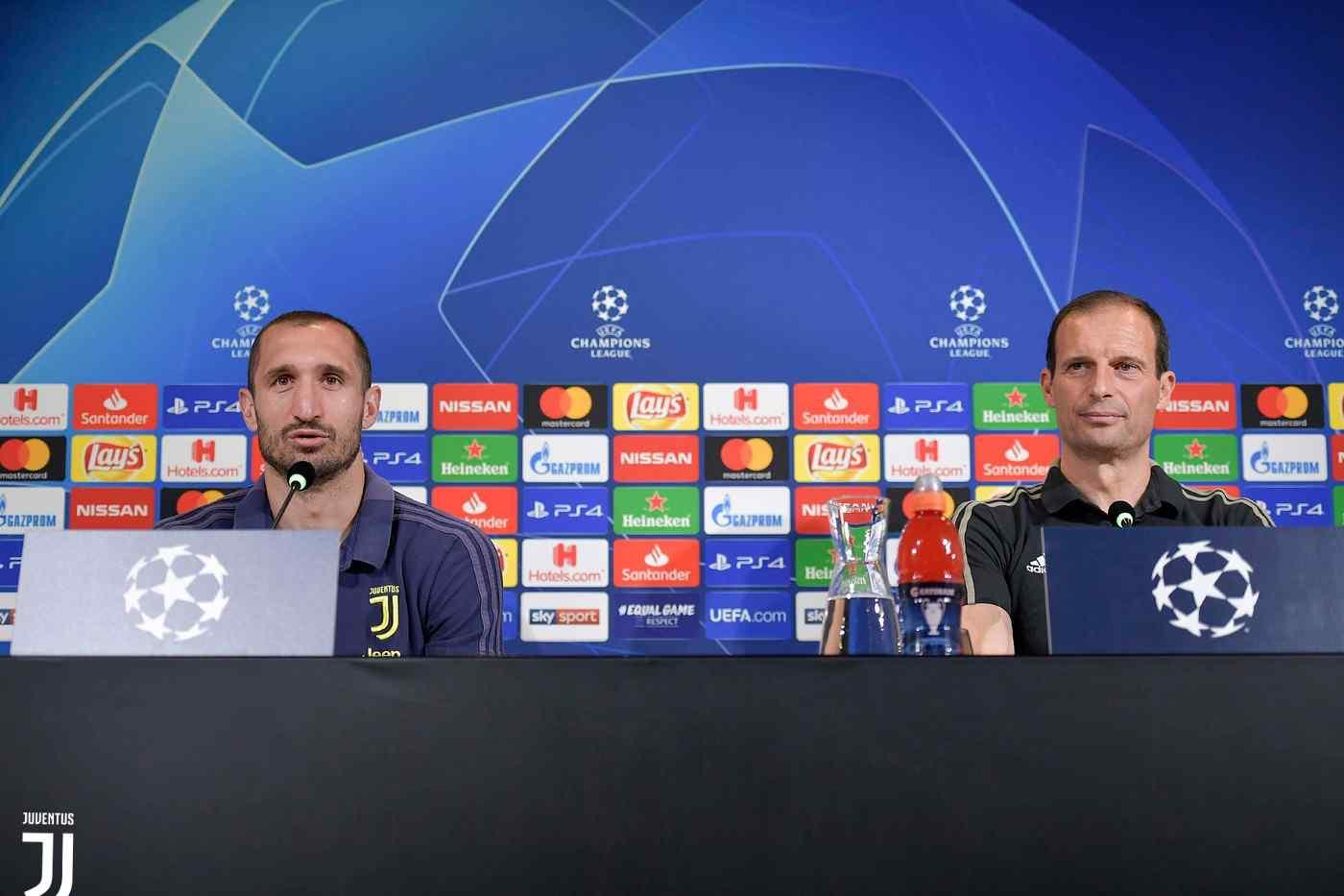 https://www.juventus.com/media/images/galleries/2019/marzo/1103-conferenza-stampa-juve/conf_atletico01.jpg