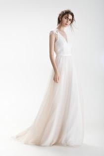 766d6a4027abb51 Свадебное платье Матэ от Pauline. Есть в наличии в 3 салонах ценой от 30300  до 31950 руб.