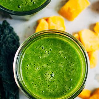 Mango + Green Tea Detox Smoothie