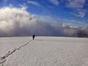 Photo: Marche sur le dome de neige