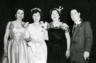 Photo: Muriel, Mildred, Helene and Stanley Tulman