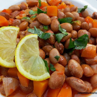 Barbunya Pilaki; Borlotti (Cranberry) Beans Cooked with Vegetables
