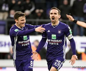 """Matchwinnaar Kums ziet hemel opklaren na behalen play-off 1: """"Dankzij Pär"""" en """"We zijn sterk in het hoofd gebleven"""""""