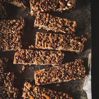 Chocolate Pretzel Granola Bars