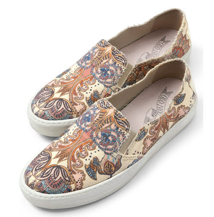 Walkabout Slip-In Sneakers Light Porcelain - Odd Molly
