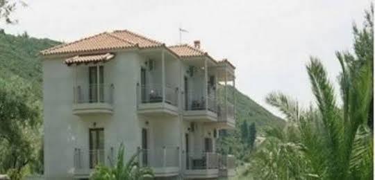 Hotel Yades