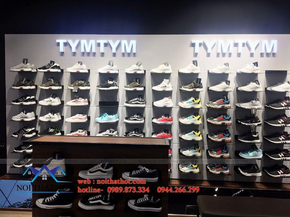 thi công shop giày nam 11