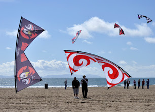 Photo: Ben Dantonio (l) and Rich Comras with their custom Rev 1.5 kites.