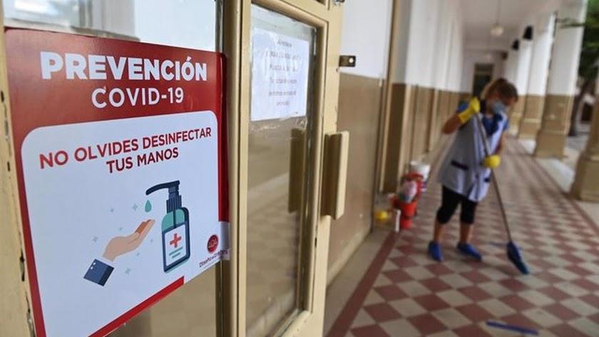Menos de un 1% de las aulas de Almería, cerradas por covid.