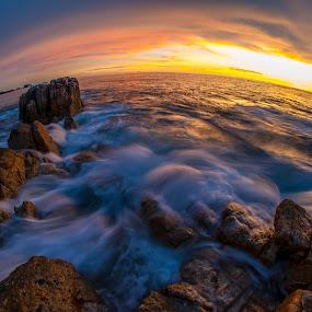 Dancing wave by Gian YE - Landscapes Sunsets & Sunrises ( sunset, sea, rock, beach, sunrise, landscape )