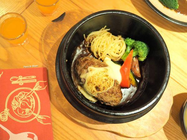 山本漢堡排 日本東京超人氣日式手工漢堡排專門店 / 手工現作