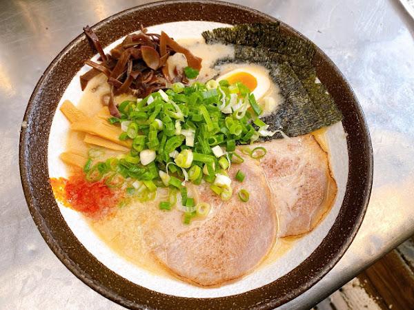 同拉麵-景賢店,客製化拉麵各式鍋物海鮮,新鮮划算!
