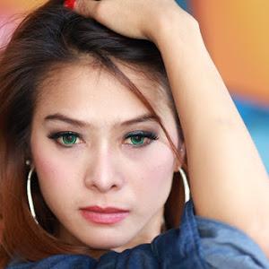 beauty eyes.JPG