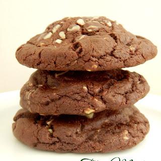 Stuffed Thin Mint Chocolate Cookies