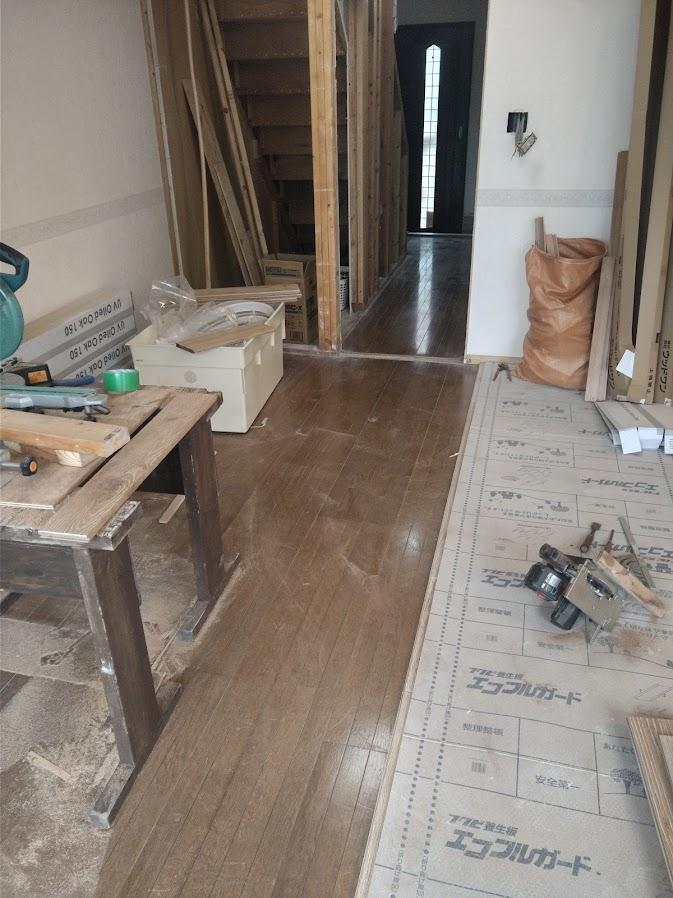 施工前の 廊下~リビングの床