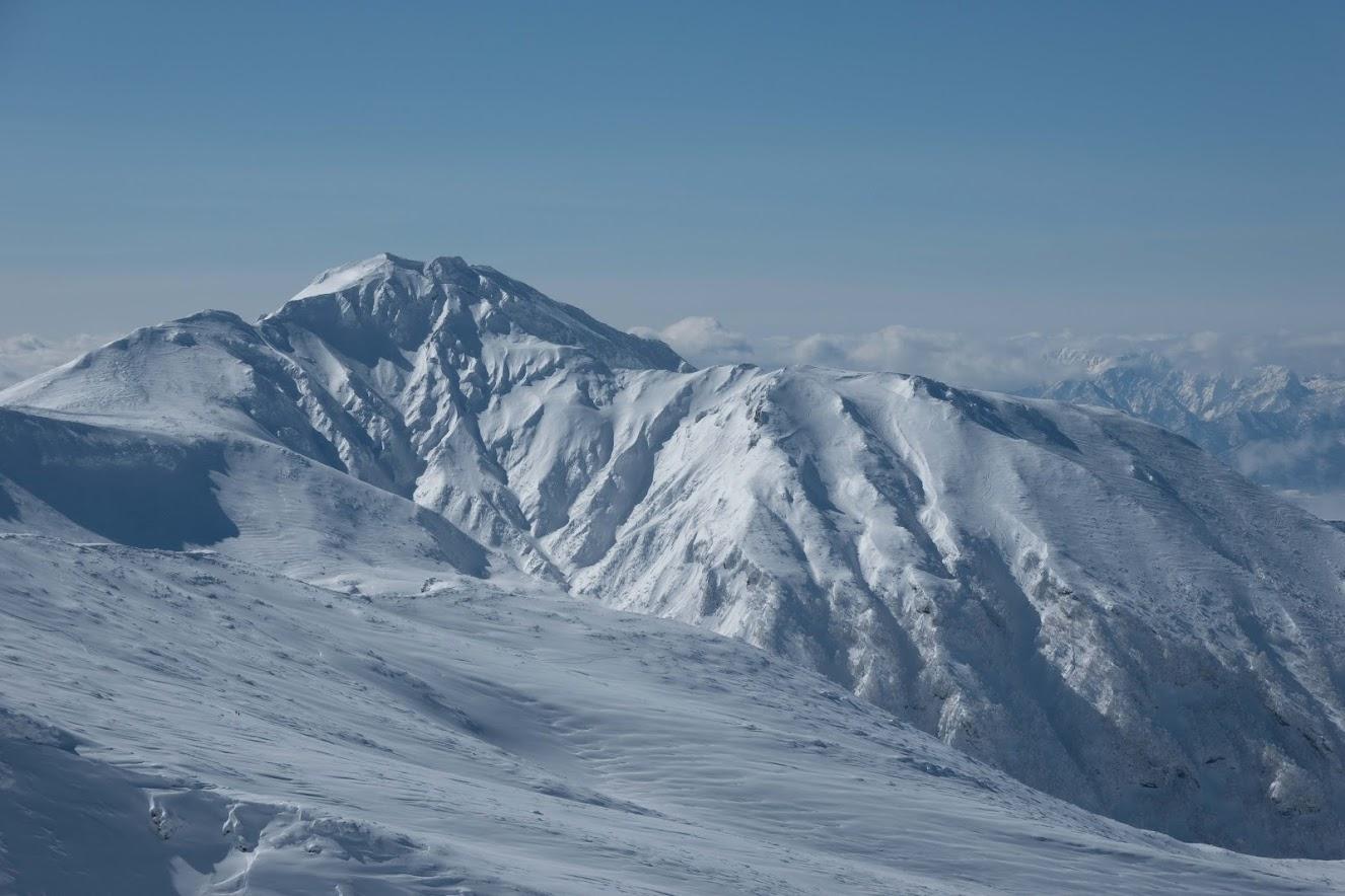 Furano-dake's Giant Ridge from Maetokachi-dake