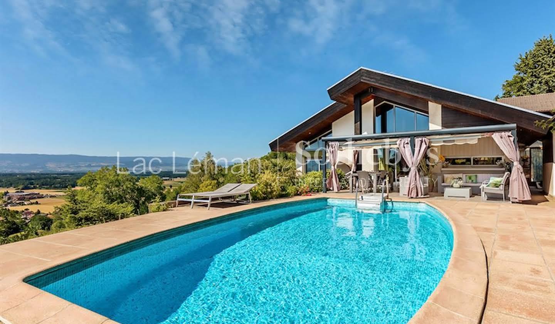 House with pool Ballaison