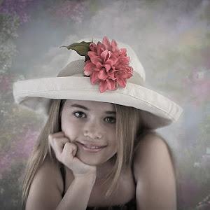 Lindsey the Hat Garden SC pix.jpg