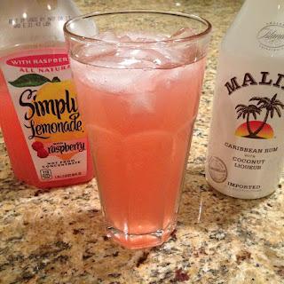 Raspberry Lemonade Cocktail.