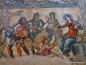 Photo: Paphos. Huis van Dyonisos. Mozaiekvloer | Paphos. House of Dyonisos. Mosaic floor.