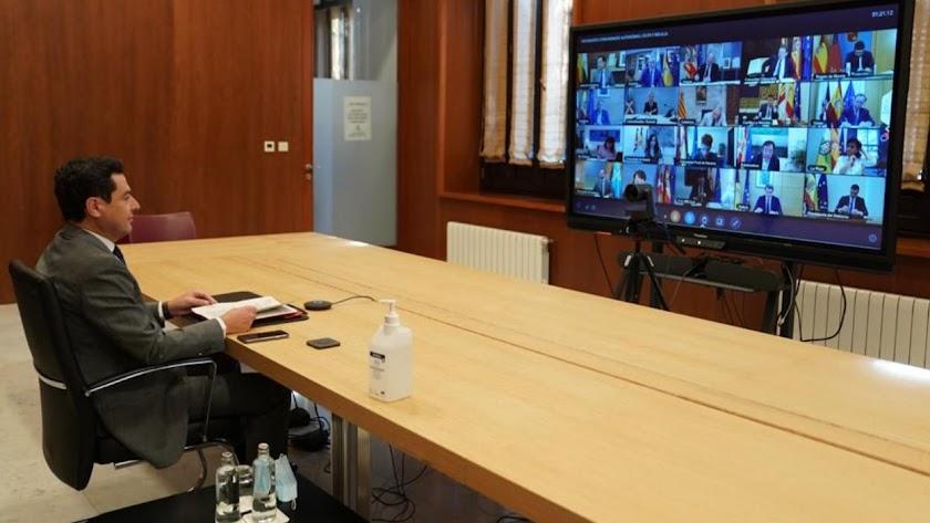 Moreno se queja ante el daño turístico a Andalucía y pide que se cuente con las CCAA.
