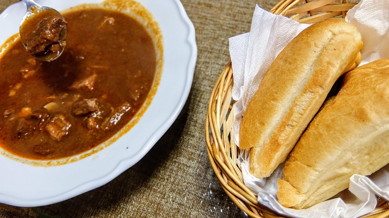 麵包很大塊,剛好是沾湯之好物XD