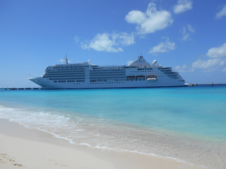 The stunning Silversea Silver Muse in Grand Turk