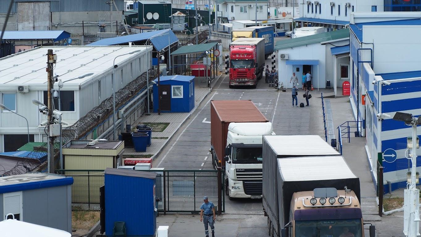 Июнь 2015 Порт Кавказ - паром на переправе грузовых