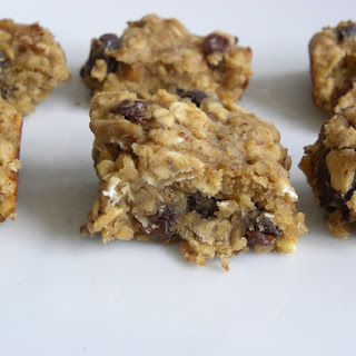 peanut butter, banana, raisin, chocola… EVERYTHING Breakfast Bars