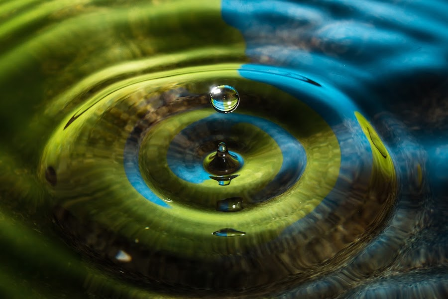 Falling Droplet by Ravi Patel - Abstract Water Drops & Splashes