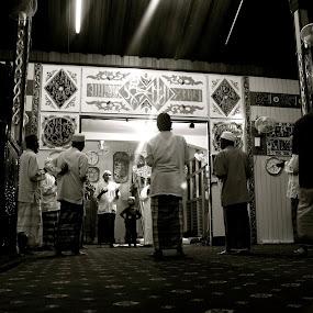 morning pray by Tombak Matahari - People Portraits of Men