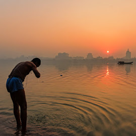Morning Activities, Howrah 2014 by Manabendra Dey - People Street & Candids ( kolkata, howrah, dawn )
