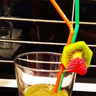 Kiwi & Raspberries & Banana with Organic Kick Ass Vegan Smoothie Mix Review.