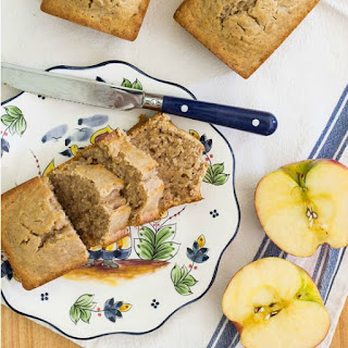 Easy Applesauce Bread