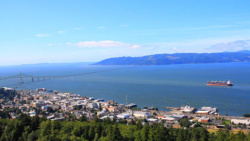 Astoria-River-Mouth.jpg - See the Astoria-Megler Bridge over the Columbia River, connecting Oregon and Washington, on an American Cruise Lines riverboat.