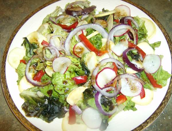 Garden Salad W/ Balsamic Vinegarette