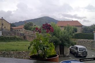 Photo: 54: Después de ver tanta maravilla, llegamos al pequeño pueblo de Celis:para tomar algo. El pueblo pertenece al municipio de Rionansa, tiene menos de 200 habitantes.