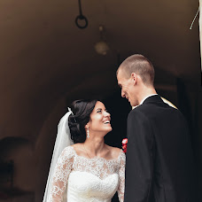 Wedding photographer Yarina Pozhega (yarapozhega). Photo of 22.03.2017
