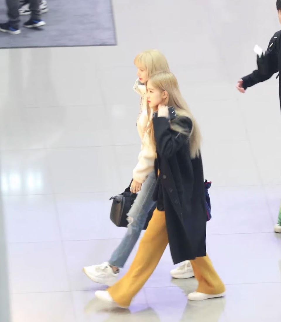 10-BLACKPINK-Rose-Lisa-Chaelisa-Airport-Moments