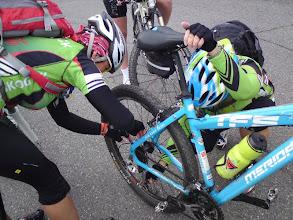 Photo: Trøbbel med bakhjulet til Kari-Bente endte på Glømmi Sport